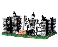Lemax Spooky Town Spooky Iron Gate And Fence Set of 5 # 34606