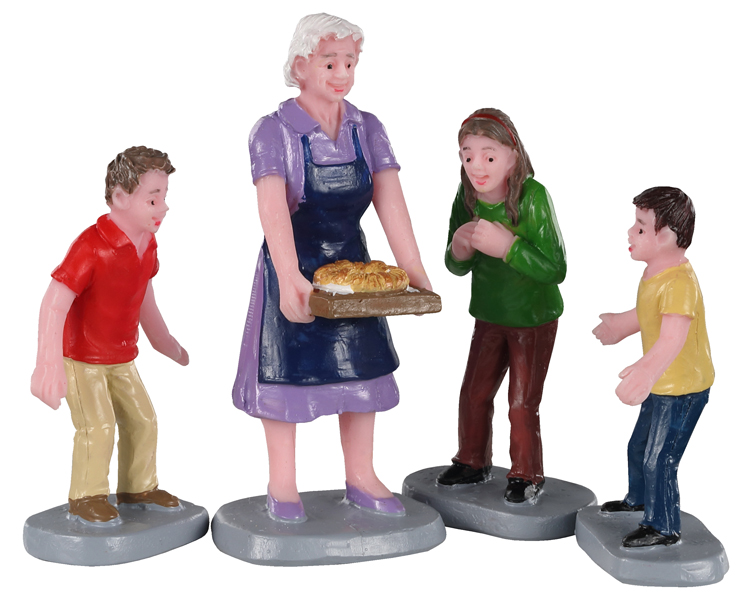 Lemax Village Collection Family Tradition Set of 4 # 02945