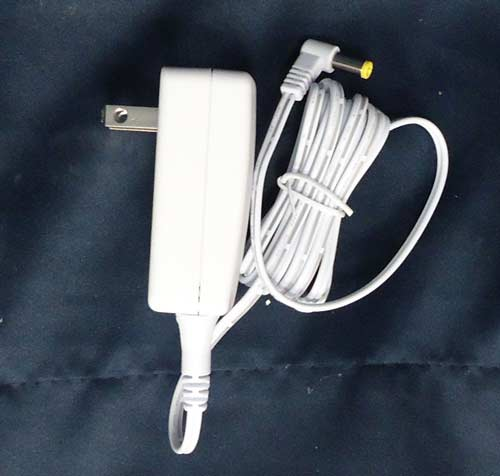 Goede AC Power Adaptor w/ 1 Output Jack 4.5v White - 1000mA | Lemax Village LS-36