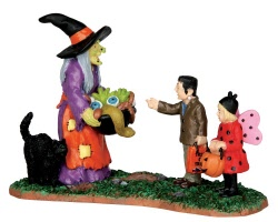 Lemax Spooky Town Scary Candy # 42212