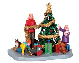Lemax Village Collection Decorating The Xmas Tree # 43078