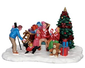 Lemax Village Collection Festive Family Photo # 53217